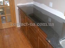 Кухонная столешница из чёрного габбро с фигурным фасоном №67