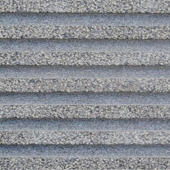 Бучардированная гранитная плитка с полосой противоскольжения
